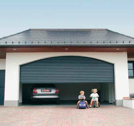 portes de garages enroulables sj fermetures volets roulants fronton. Black Bedroom Furniture Sets. Home Design Ideas
